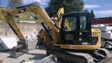 escavatore cingolato Caterpillar usato