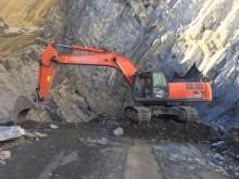 escavadora sobre rastos Hitachi