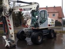 escavadora sobre pneus Terex