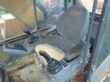 escavadora sobre rastos Case usada