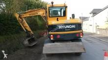 escavadora sobre pneus Hyundai usada