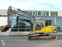 escavadora sobre rastos Volvo
