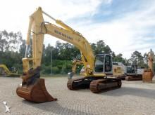 escavadora sobre rastos New Holland