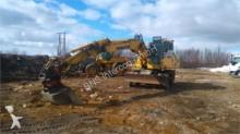 excavator pe roti Komatsu second-hand