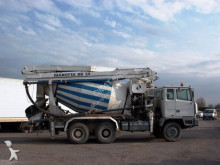used Astra concrete pump truck