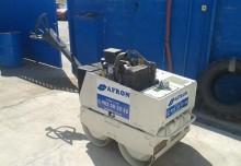 compactador de mão Terex usado