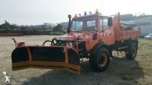 camión quitanieves con salero usado