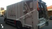 camión volquete para residuos domésticos Renault usado