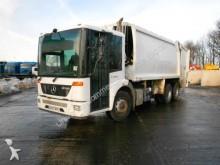 camión volquete para residuos domésticos Mercedes usado