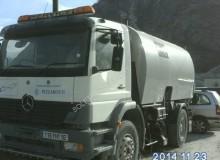 camión barredora Mercedes