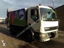 camión volquete para residuos domésticos DAF usado