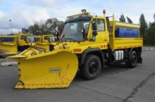 used Mercedes snow plough-salt spreader