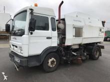 camion aspirateur Scarab