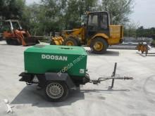 mezzo da cantiere compressore Doosan usato