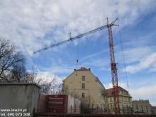 dźwig wieżowy Liebherr używany