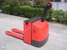 Dragon Machinery pedestrian pallet truck