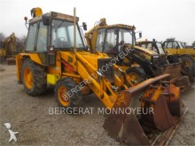tractopelle JCB 3CX4