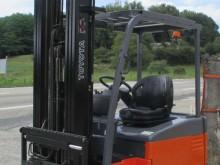 Toyota 7FBEF15 reach truck