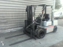 used Nissan gas forklift
