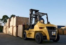 chariot diesel Caterpillar neuf