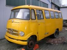 minibus Mercedes accidenté