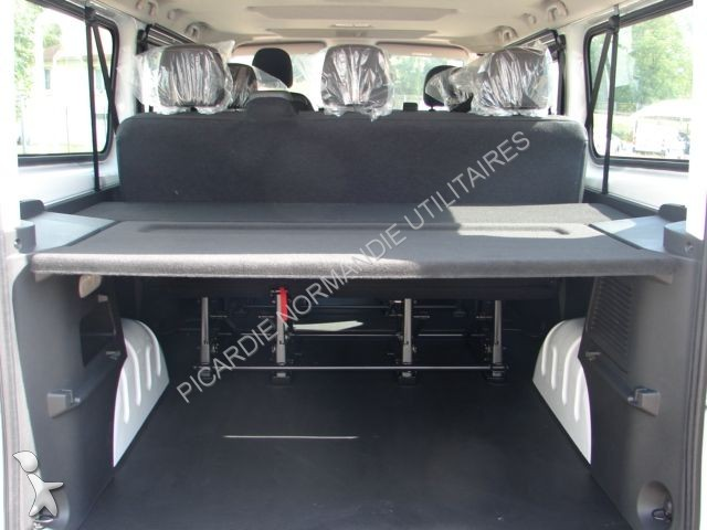 minibus renault trafic combi l2h1 1 6 dci 120 zen 9 places. Black Bedroom Furniture Sets. Home Design Ideas