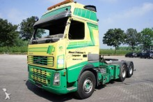 damaged Volvo low bed tractor unit