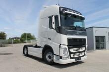 trattore Volvo nuovo