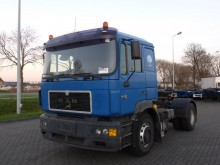 tracteur MAN 19.403 F2000 EURO 2 MANUAL