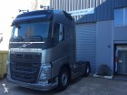 cabeza tractora Volvo nueva