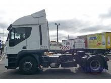 cabeza tractora convoy excepcional Iveco usada