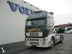 cabeza tractora productos peligrosos / adr Volvo usada