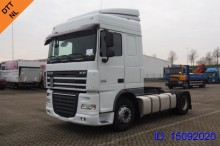DAF XF 105.460 Spacecab tractor unit