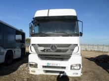 damaged Mercedes tractor unit
