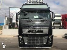 trattore Volvo FH16 700