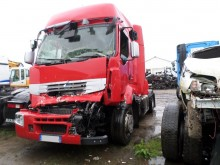 tracteur Renault accidenté