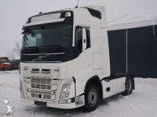 Volvo Sattelzugmaschine FH12 460 4x2 EURO6 SZM UNFALL tractor unit