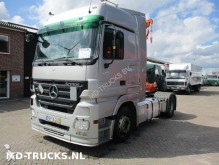 Mercedes LS 1841 EPS 3 ped tractor unit