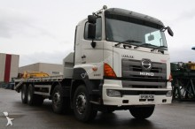 camion Hino 8x4 cheese wedge