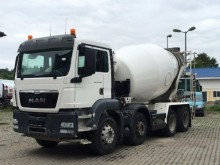 camion MAN TGS 32.400 8X4 Stetter 9m³