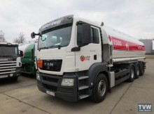camion citerne hydrocarbures MAN