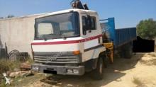 camión Nissan M 110.14
