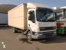 camión furgón transporte de bebidas DAF usado
