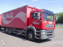 camión furgón transporte de bebidas MAN usado