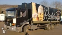 camión furgón transporte de bebidas Mercedes usado