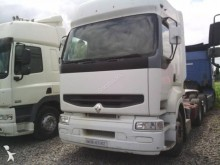 ciężarówka do transportu zwierząt Renault używana