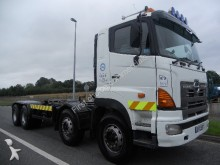 camión Hino 3213 8x4 live drive chassis