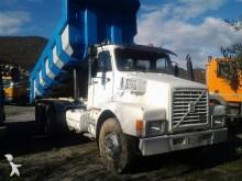 camión Volvo NH12