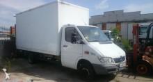 ciężarówka izoterma Mercedes używana