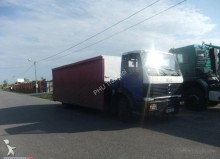 ciężarówka podwozie Mercedes używana